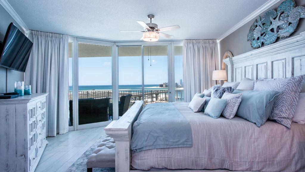 Caribe Resort B1116 Master Bedroom Decor